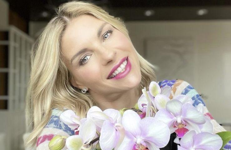 Martina Colombari bellezza delicata