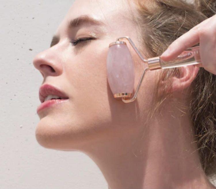 Rose Quarz roller facial