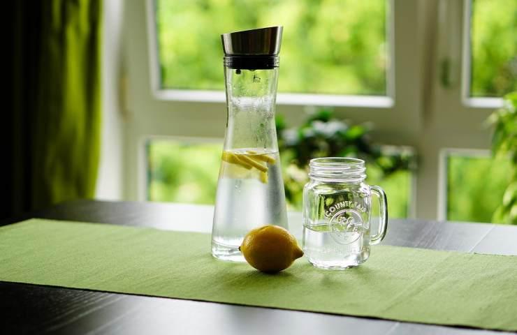 Acqua, miele e limone elisir Crystal Davis