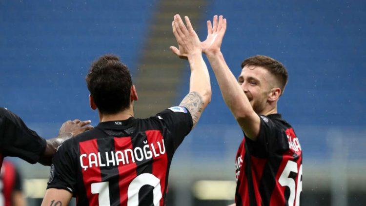 Calhanoglu Milan-Sassuolo