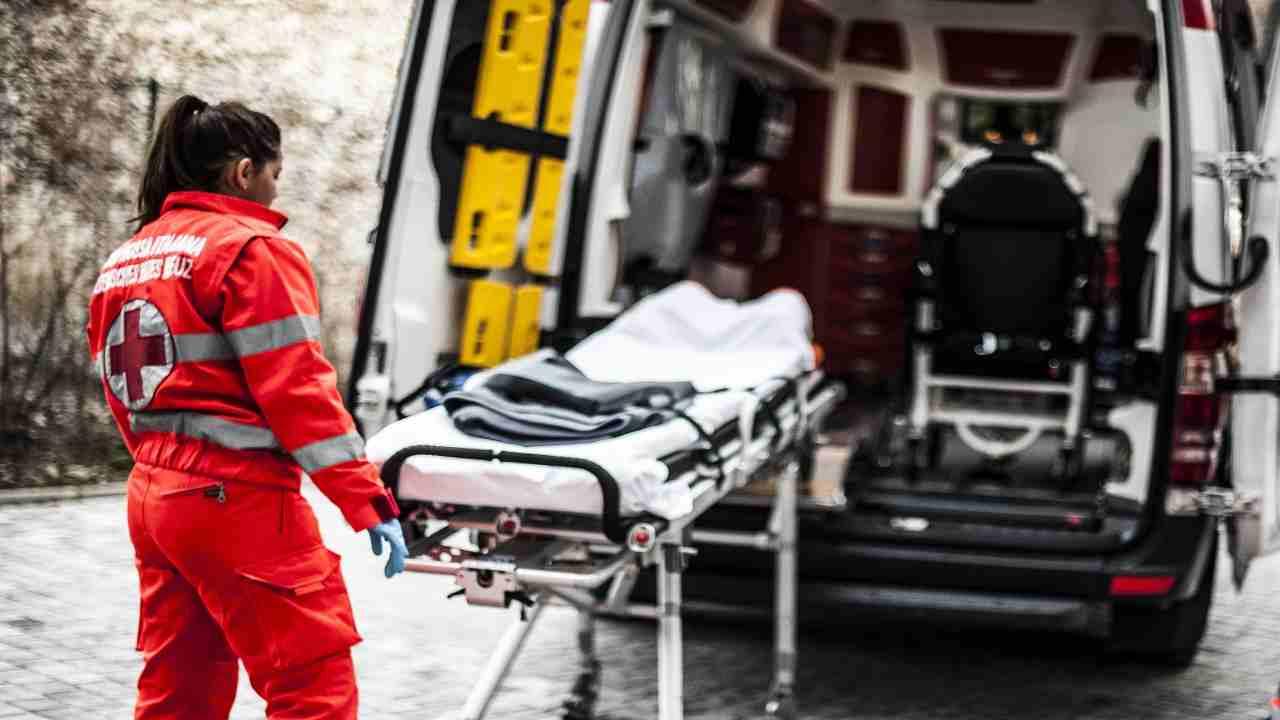 Taranto incidente porto morto operaio