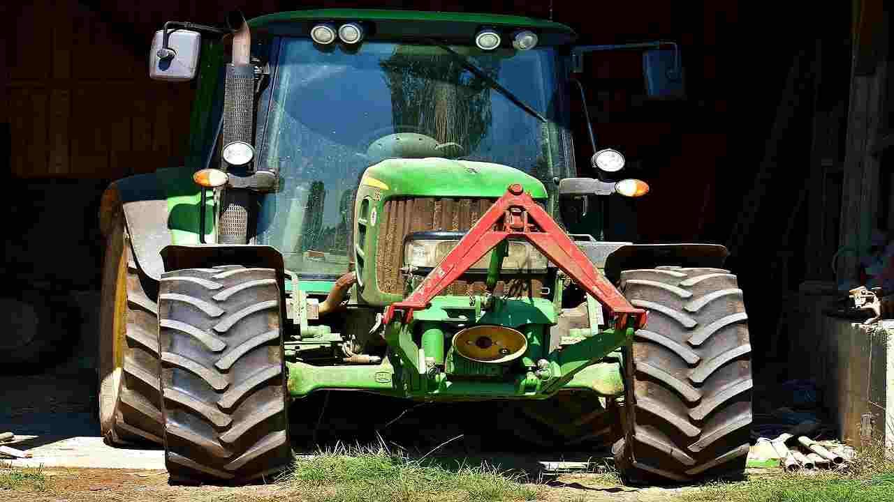 Vicenza trattore muore uomo terreno