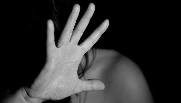 stupro revenge porn minaccia