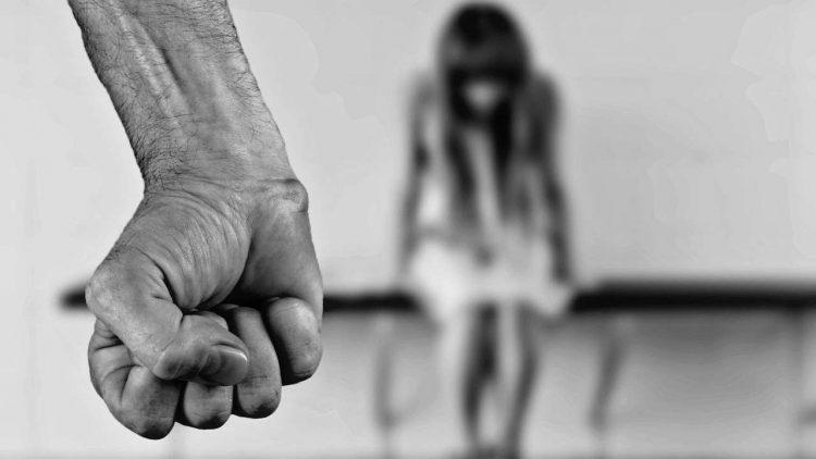 stupro violenza revenge porn arrestato