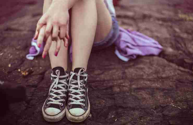 rimedi naturali gonfiore caviglie e gambe