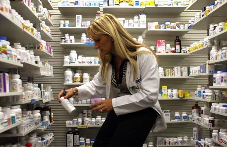 Farmacia vaccinarsi servizio covid 19