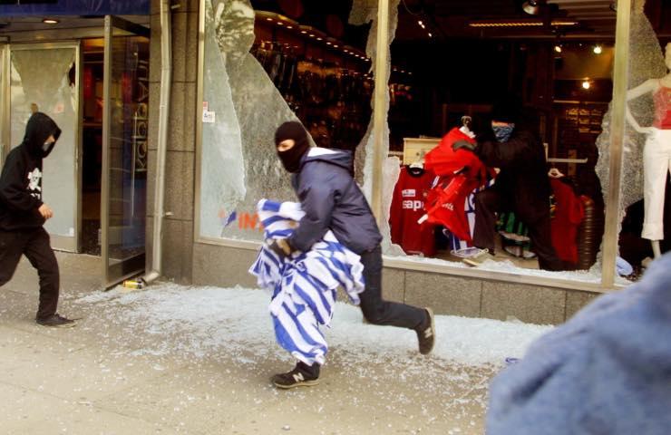 Rapina roma coprifuoco rapina