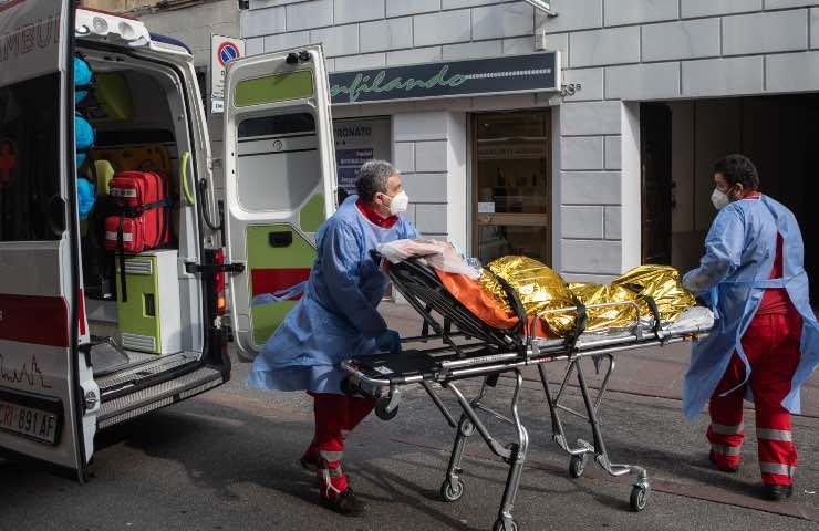 18enne travolto furgone Modena muore