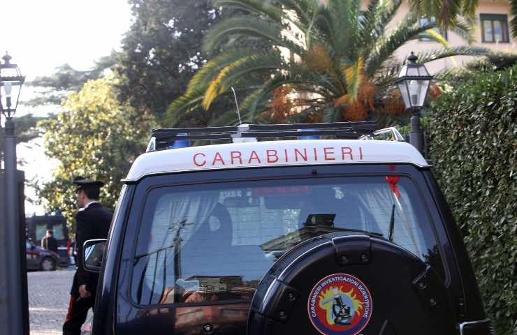 carabinieri freddato omicida fuga figlio