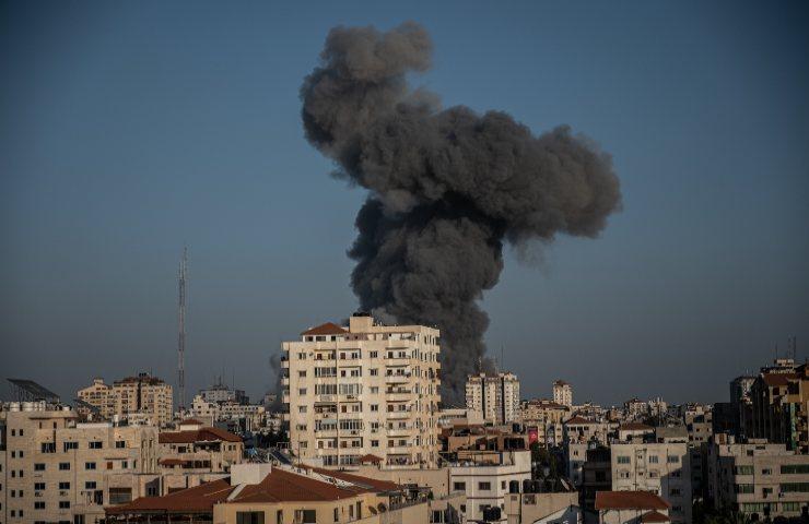 Gaza bombardato grattacielo al-Jala