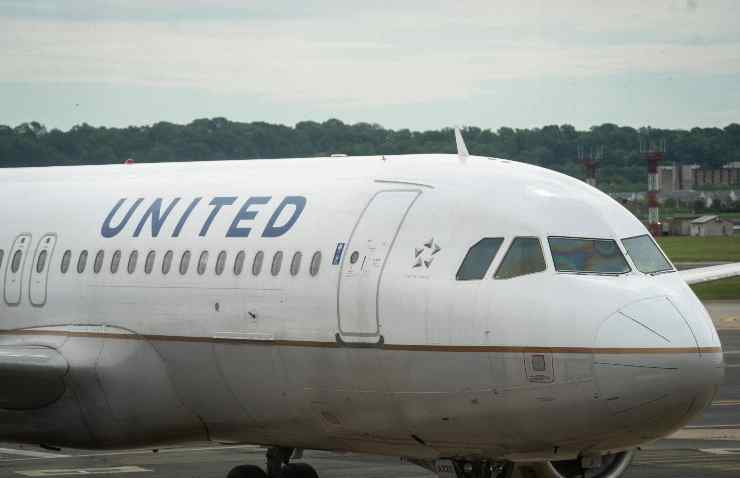 disastri aerei volo united airlines 25 vittime