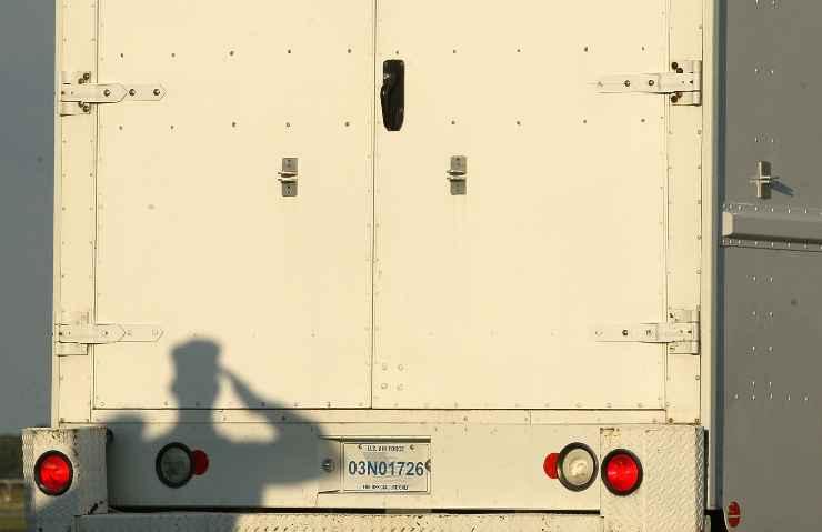 stati uniti camion pieni di cadaveri