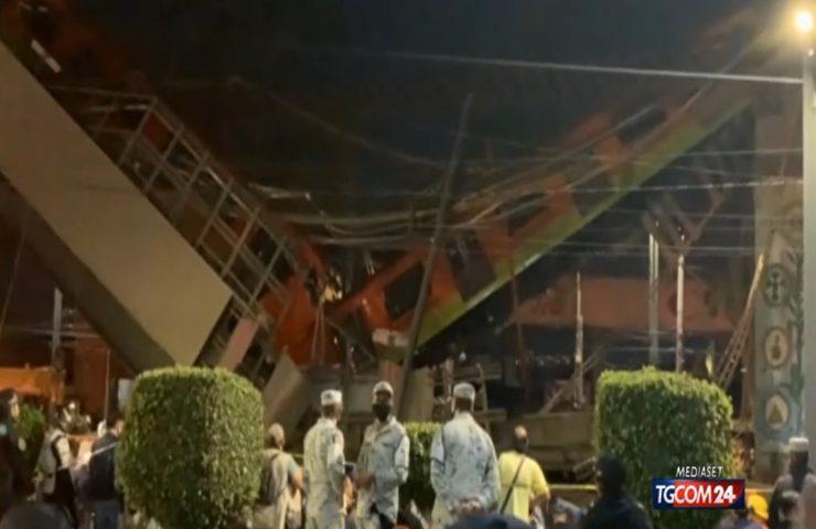 Crolla ponte Città del Messico