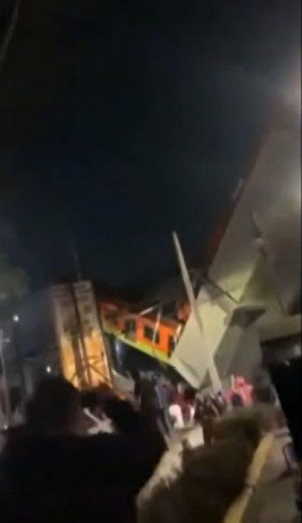 Crollo ponte Messico