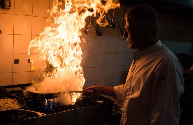 Chef noto muore malore 47
