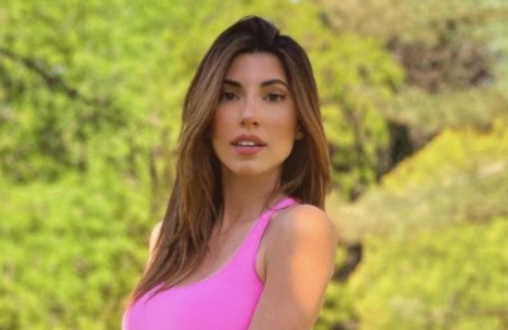 Silvia D'Avenia décolleté fuoco meravigliosa
