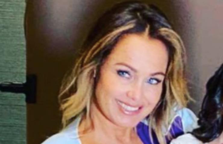 Sonia Bruganelli posa irresistibile favola
