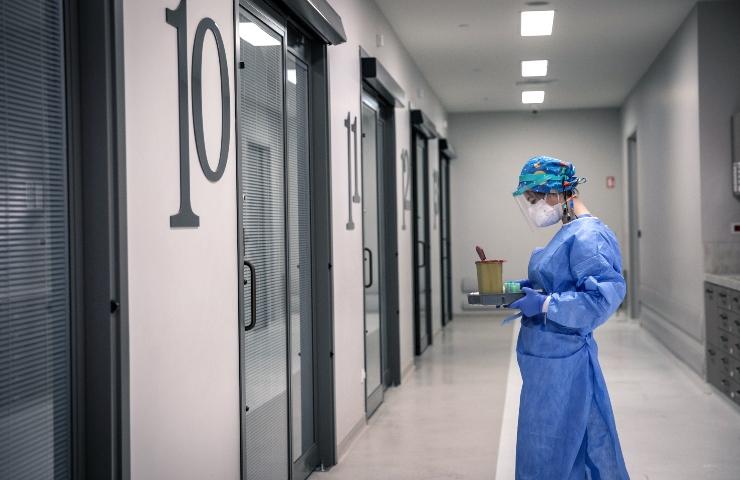 Chiavasso, infermiera rifiuta vaccino