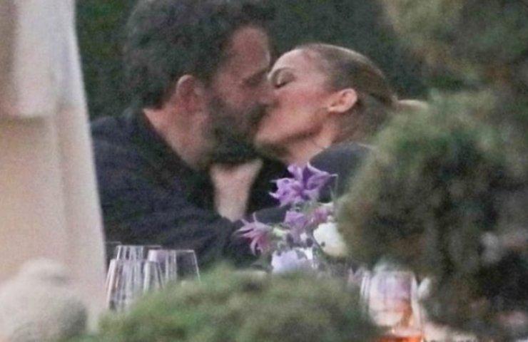 Jennifer Lopez Ben Affleck, quel bacio passionale