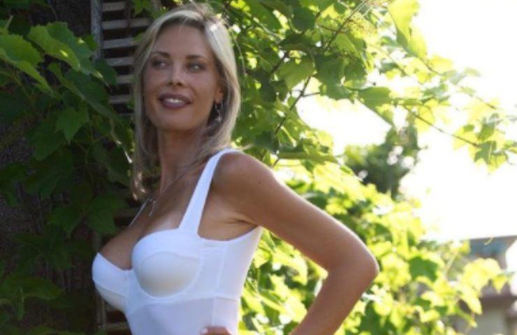 Laura D'Amore bikini