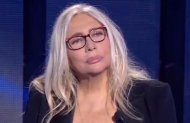Mara Venier Giulia Stabile imbarazzo