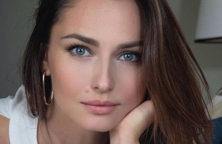 Anna Safroncik sorprende i fan: curve travolgenti