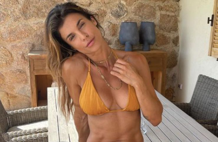 Elisabetta Canalis stratosferica sex-appeal scopre