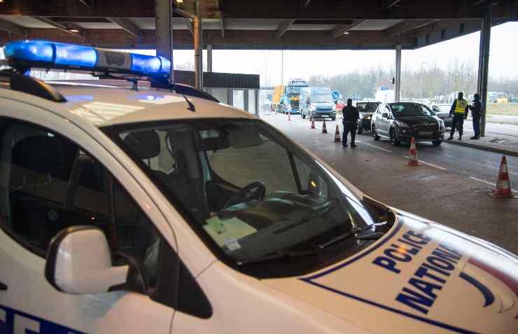 francia, Allievo agente di polizia si suicida nella casa dei genitori