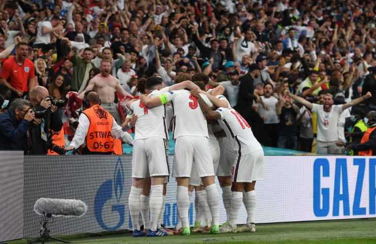 Inghilterra gol Shaw