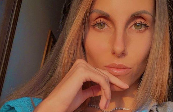 Jessica Franceschetti seno esplosivo mostra angurie foto