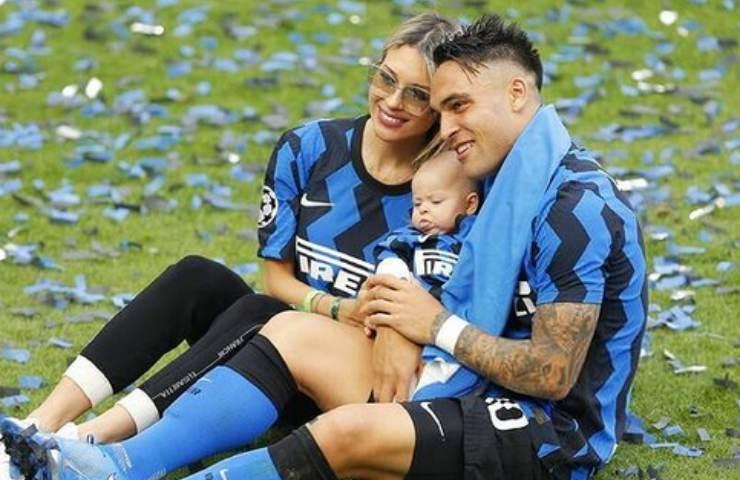 Lautaro Martinez festeggia lo scudetto con la famiglia