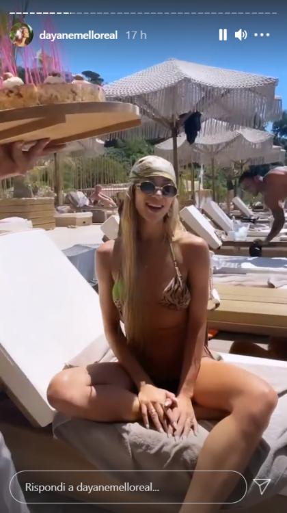 Dayane Mello Soleil Stasi micro bikini lato B esplosivo