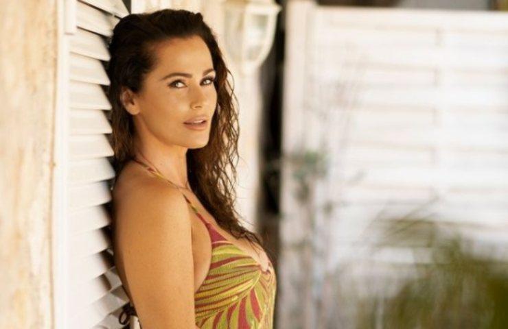 Samantha De Grenet bikini sorriso