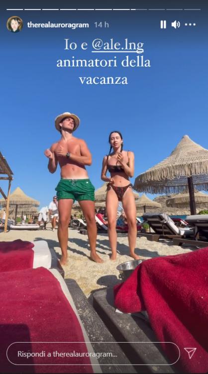 Alessandro Ramazzotti senza parole spiaggia Mykonos foto