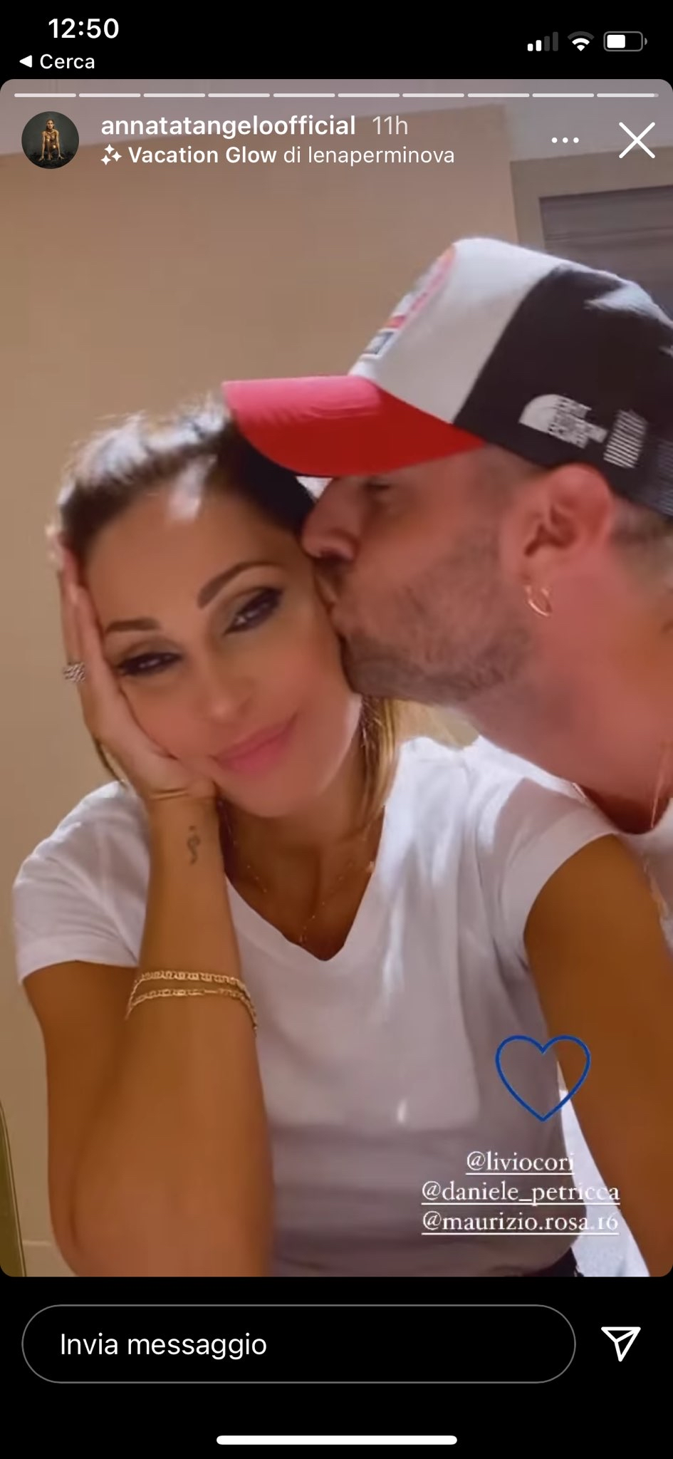 Anna Tatangelo, bacio ricco di passione con Livio Cori