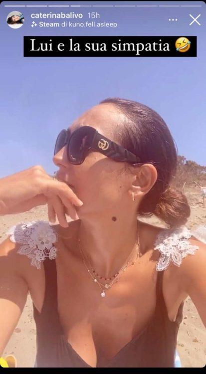 Caterina Balivo scollatura profonda bikini fa sognare fan foto