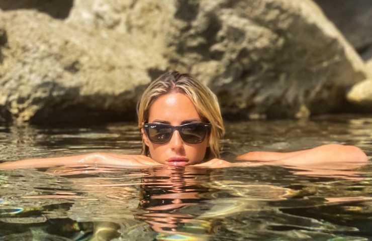 Giorgia Rossi Lampedusa foto bikini seno primo piano