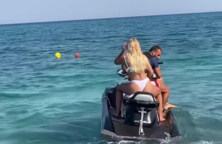 Mercedesz moto acqua