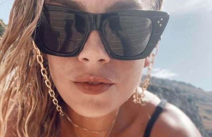 Emma Marrone bikini estremo