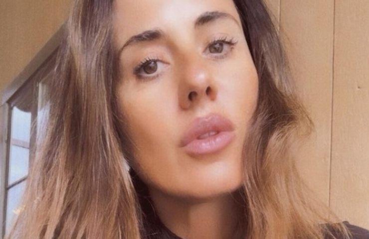 Paola Iezzi scollatura eccessiva
