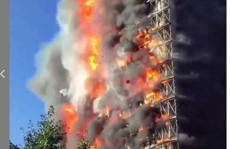 Ancora attivi i vigili del fuoco a Milano