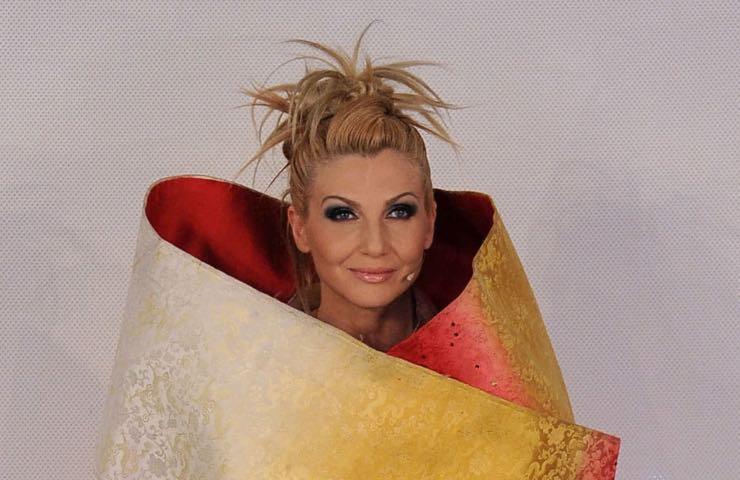 Lorella Cuccarini vergogna cuore mai