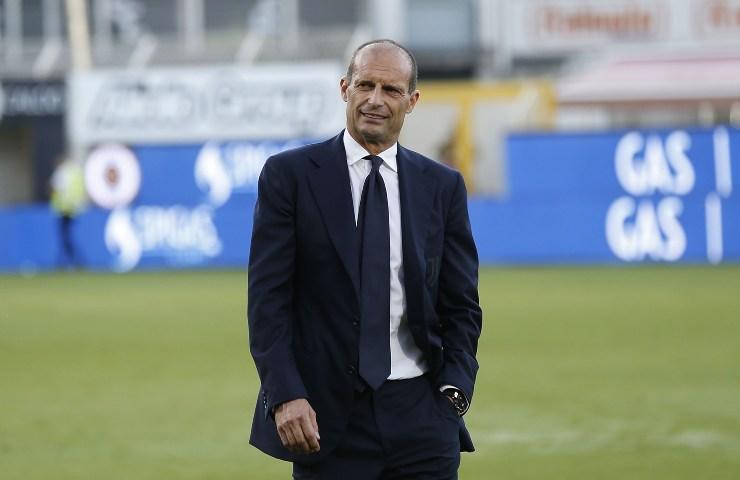 Allegri, allenatore della Juventus, sul terreno di gioco
