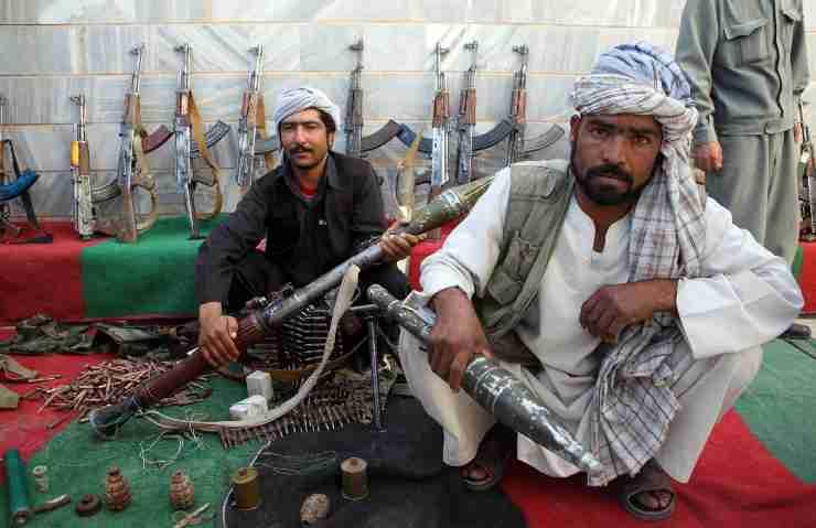 Uomo violentato a Kabul: comunità LGBT nel mirino dei talebani