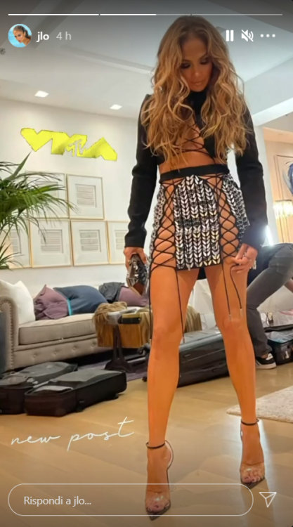 Jennifer Lopez MTV VMAs senza lingerie video