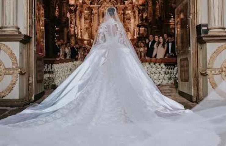 Jasmine Tookes abito da sposa Zuhair MuradJasmine Tookes abito da sposa Zuhair Murad