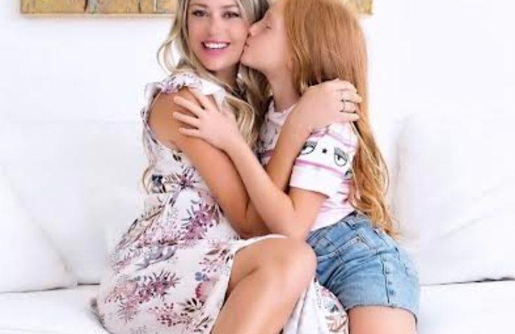 Martina Stella e figlia